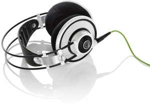 Akg q701
